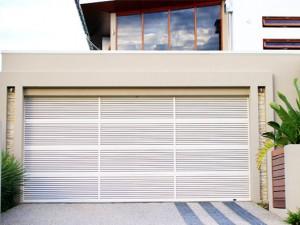 Louver garage door